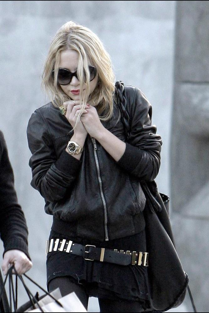 cazadora_de_cuero_negra_mary_kate_olsen_street_style