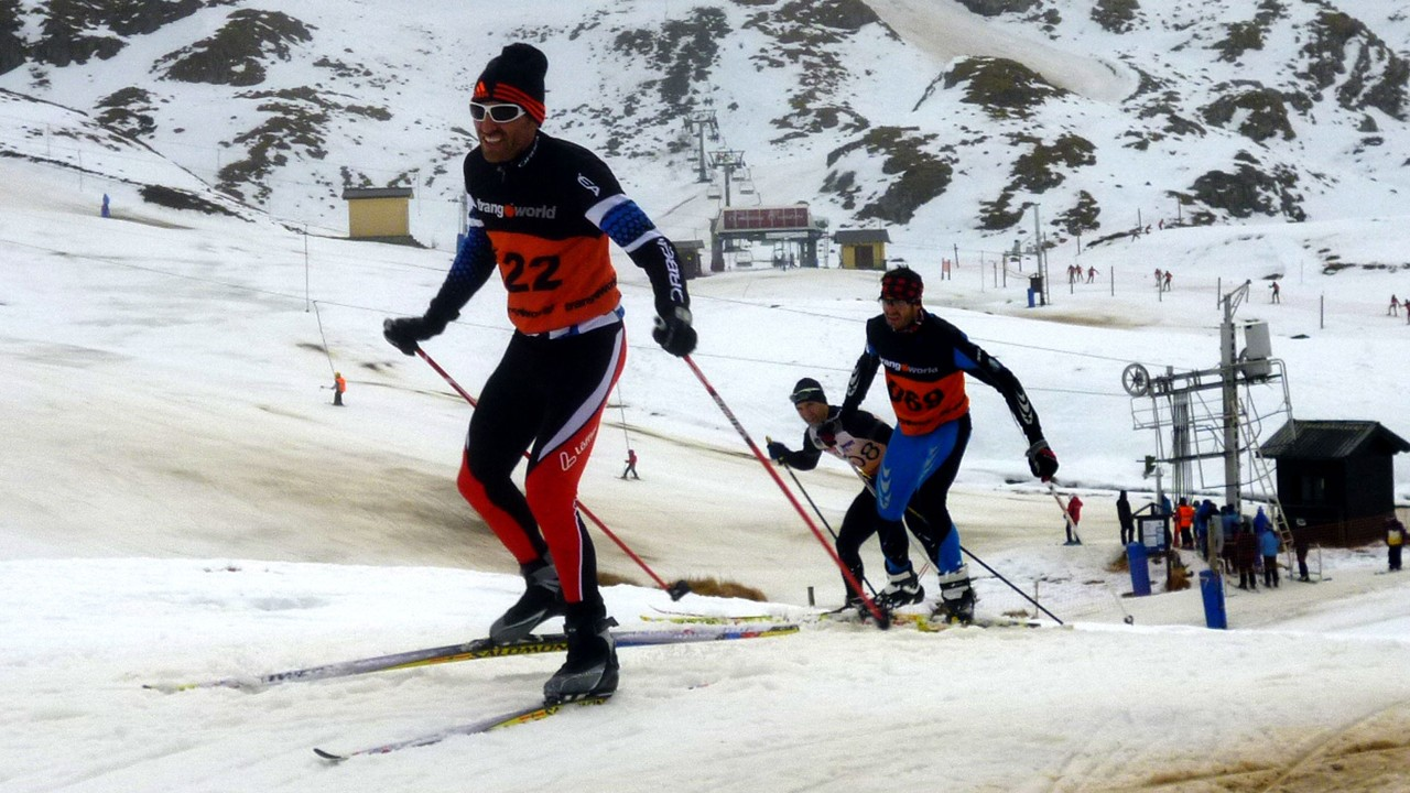 Los amantes de la montaña pueden optar por la modalidad que incluye mountain bike y esquí.