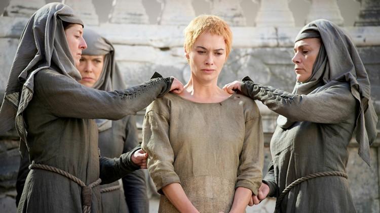 ¿En qué situación se encuentra Poniente? En la capital de Poniente, Cersei.