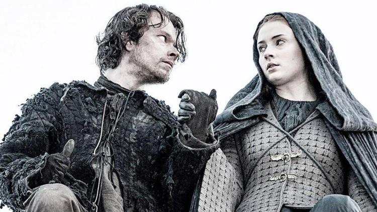 ¿En qué situación se encuentra Poniente? Al norte de Poniente, Sansa y Theon.
