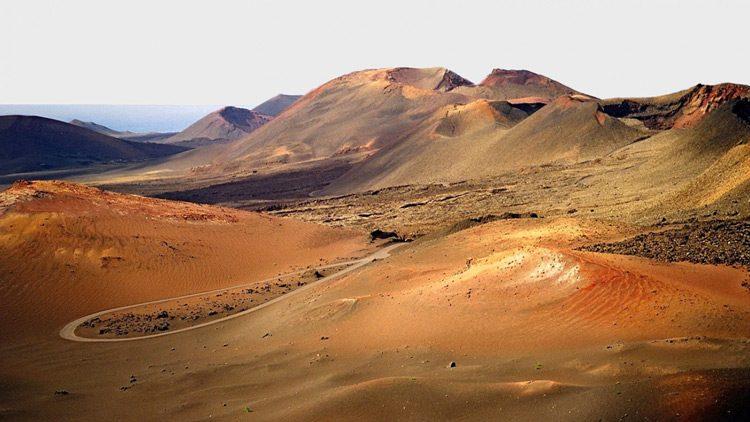 Top 10 islas más alucinantes del mundo. Lanzarote (España)