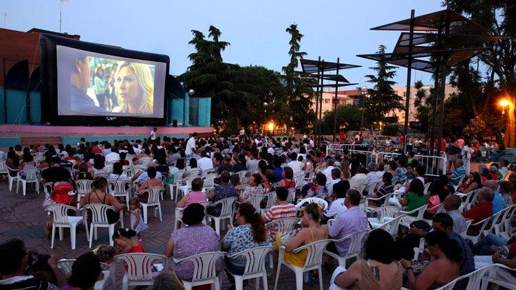 Ocio En La Calle Cines Al Aire Libre