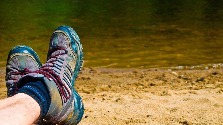 Un calzado cómodo es de lo más importante a la hora de ir a la montaña, sea verano o invierno.