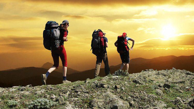 Siempre debéis ir bien equipados al ir a la montaña, ya sea yendo por un día o pasando la noche allí.