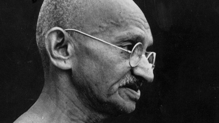 """Las citas célebres más geniales de todos los tiempos. """"Ojo por ojo, y el mundo acabará ciego"""". Mahatma Gandhi"""
