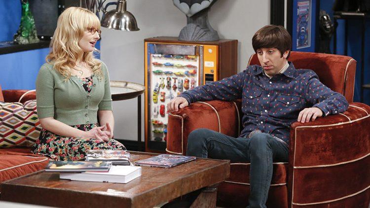 Bernadette y Howard en una escena de The Big Bang Theory