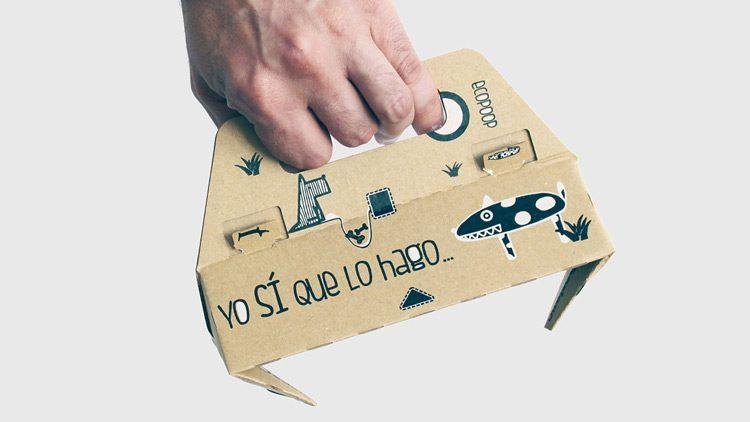 Ecopoop es un recogedor de excrementos perruno que está hecho de cartón reciclado biodegradable.