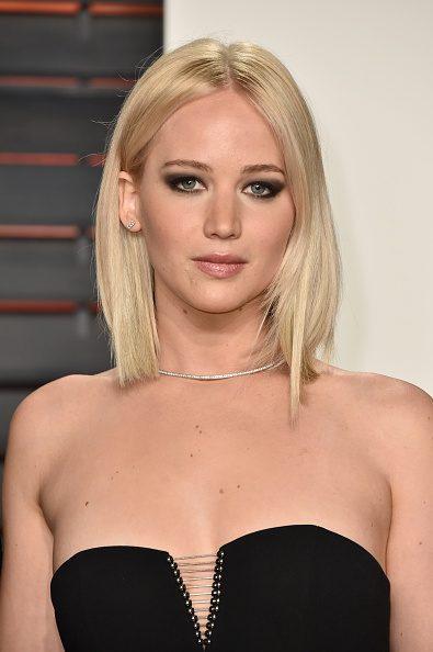 Jennifer Lawrence de rubio platino.