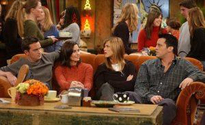 sofá central perk de la serie Friends